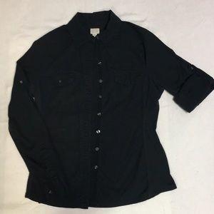 ✳🔶️✳ 3 for$30Converse black long sleeve button u…